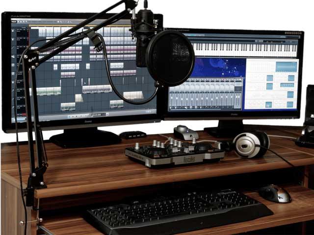 Hjemmestudio med mikrofon